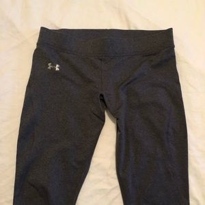 Under Armour dark gray leggings cold gear